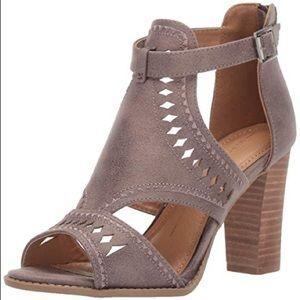 Report Rosalet Open Toe Sandal Block Heels
